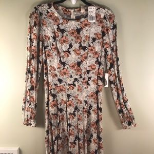 '70s Inspired Floral Long Sleeved Dress Size: XS